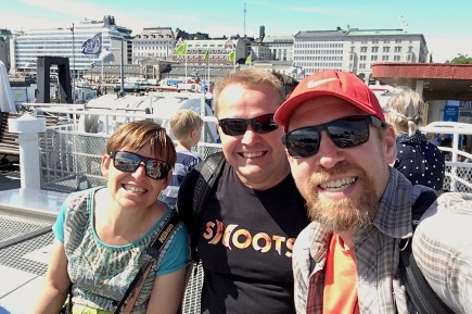 Ferry to Suomenlinna - Isabel, Juoni & Christian