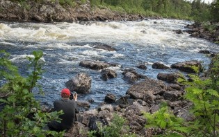 Christian taking long exposures at Alakoski rapids - Inari
