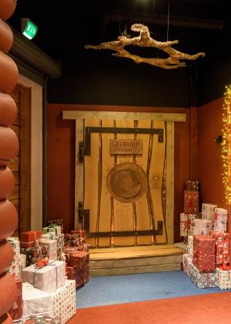 Gift Delivery - Santa Claus Village / Rovaniemi