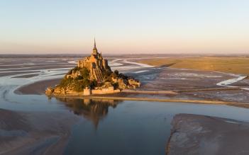 Le Mont-Saint-Michel (Aerial shot)