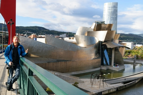 Christian posing at Guggenheim Museum - Bilbao (photo by Isabel)