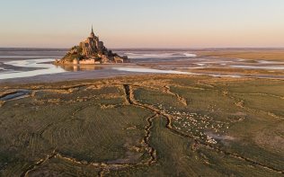 Mont Saint Michel (aerial shot)