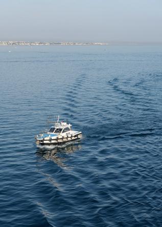 Pilot boat welcoming us in Bari